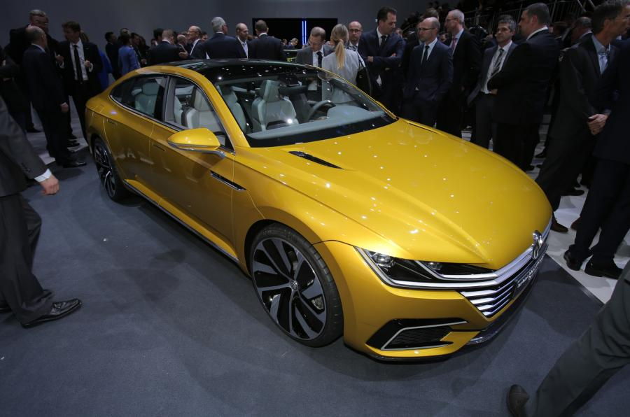 VW Passat Sport Coupe GTE 2015 Geneva Motor Show.
