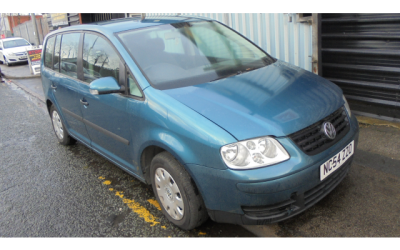 Volkswagen Touran 2004 Breaking All Parts Available